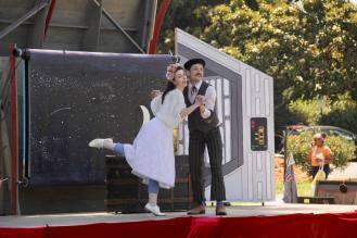Romeo & Juliet... in space!